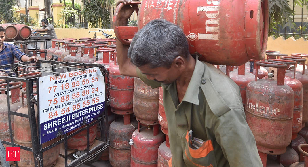 Lethal smoke set to return as India cuts outlays on cooking gas program